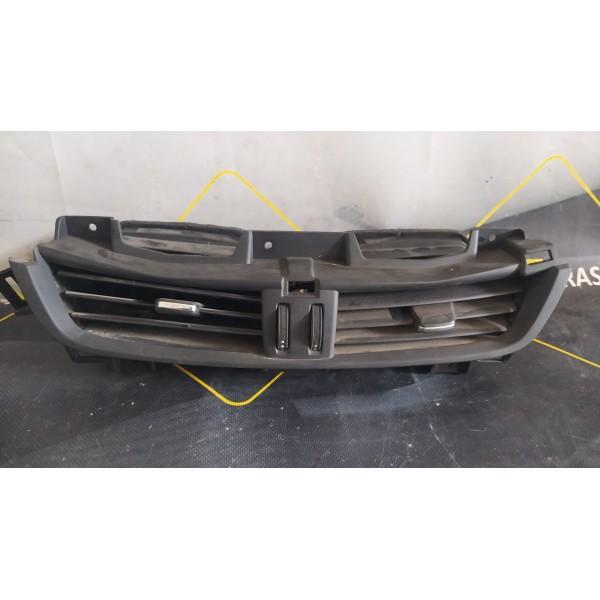 Вентиляционная решетка центральная на Buick Envision