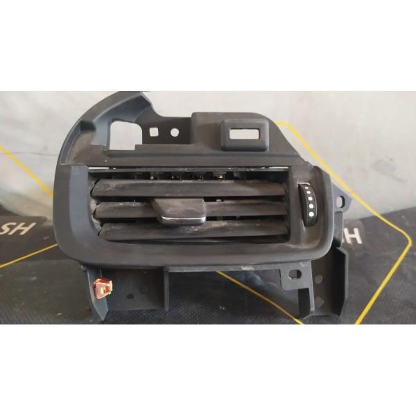 Вентиляционная решетка левая  на Buick Envision