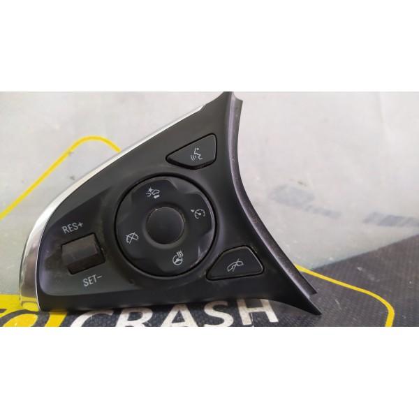Кнопки управления на руле левая на Buick Envision