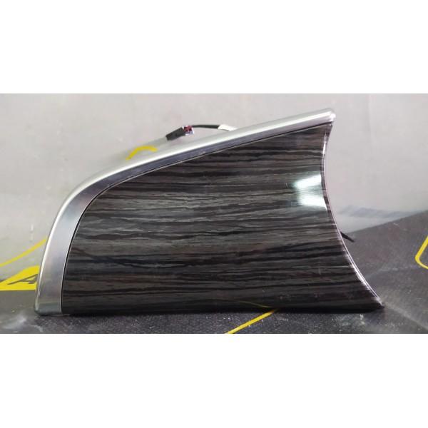 Декоративная накладка передней панели левая на Buick Envision